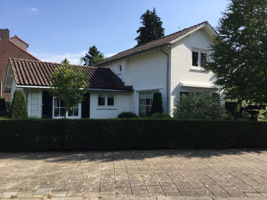 Villa in buitenwijk van Zutphen 2015