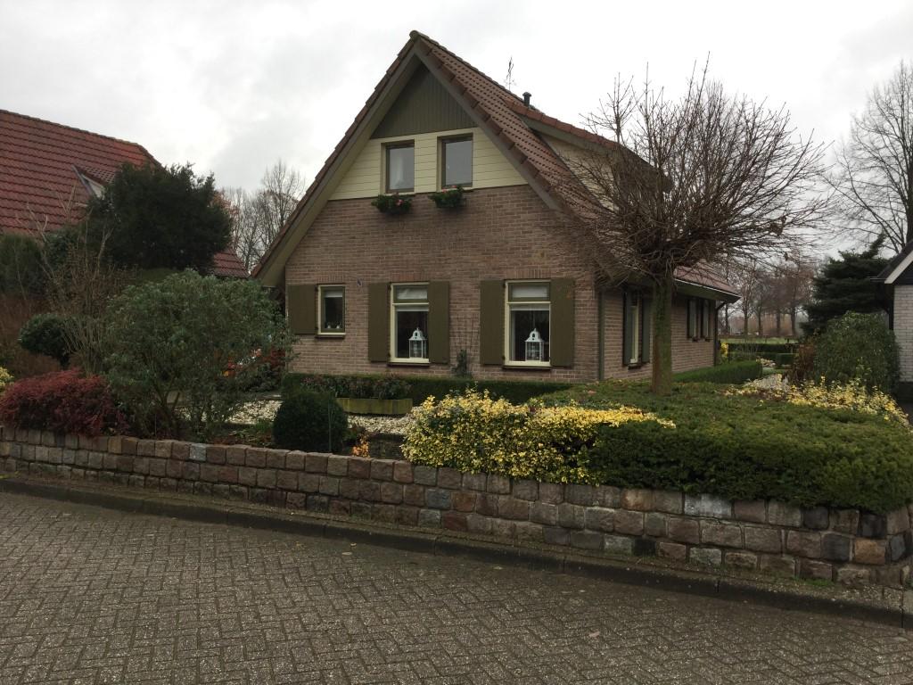 Nieuwe aanleg tuin bij vrijstaande woning in Hengelo (gld) 2018