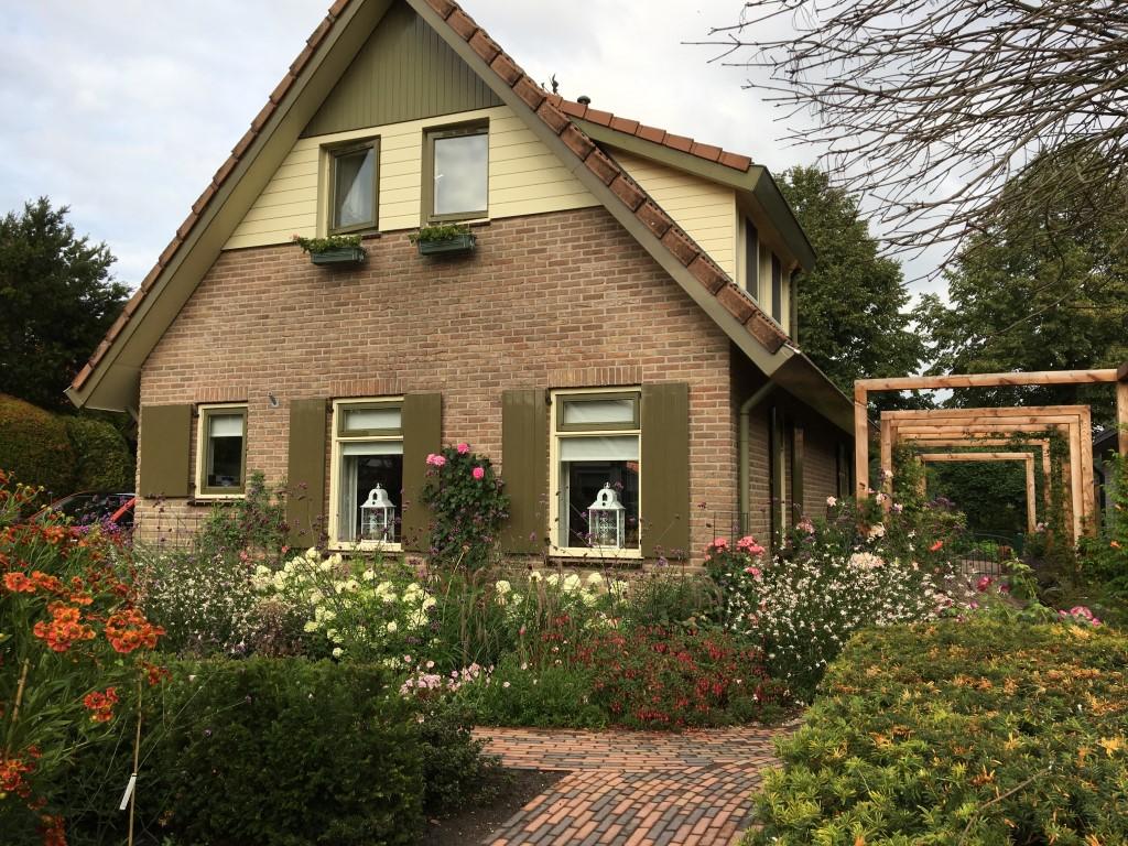 Nieuwe aanleg tuin bij vrijstaande woning in Hengelo (gld) 2018 - 2019